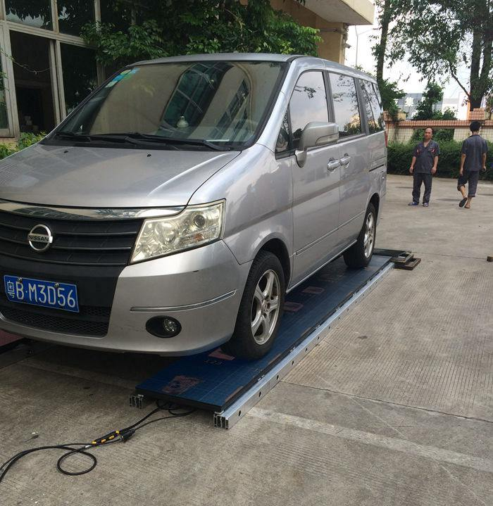 Glux SEfl stage floor LED screen weight bearing test