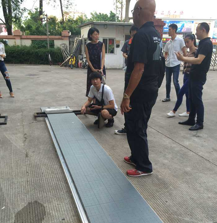 Glux SEfl stage floor LED display weight bearing test